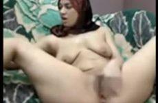Moslima webcam sletje vingert haar kale poesje