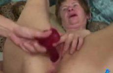 Rijpe dame heeft nog nooit zo geile sex gehad